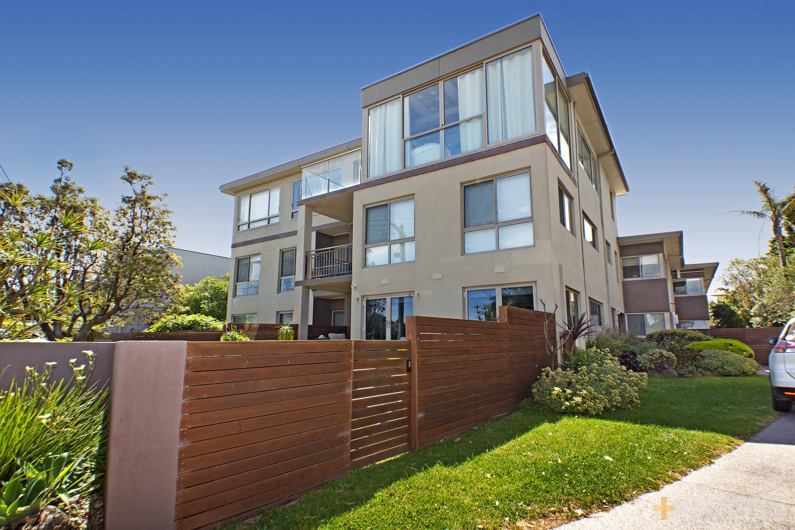 18/70 Beach Road Mentone Photo - 3